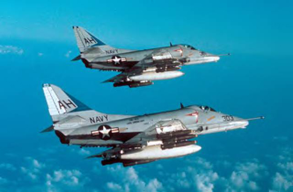 A.P._A4_Skyhawk_D_photo_A-4EVA-163